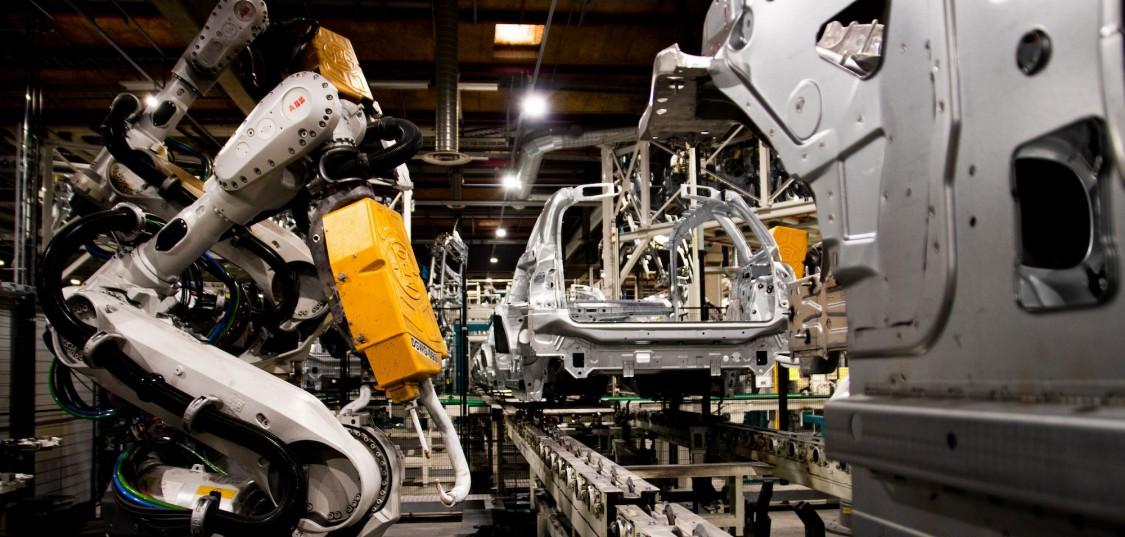 På Valmet Automotive jobbar tio procent av alla industriella robotar i hela Finland. Foto: Didrik M. Skodje/DNX
