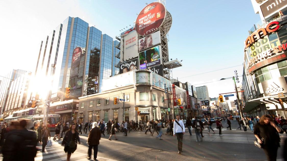 Dundas Square, Toronto