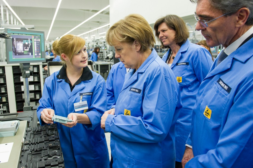 "German Chancellor Merkel visits the ""Digital Factory"""