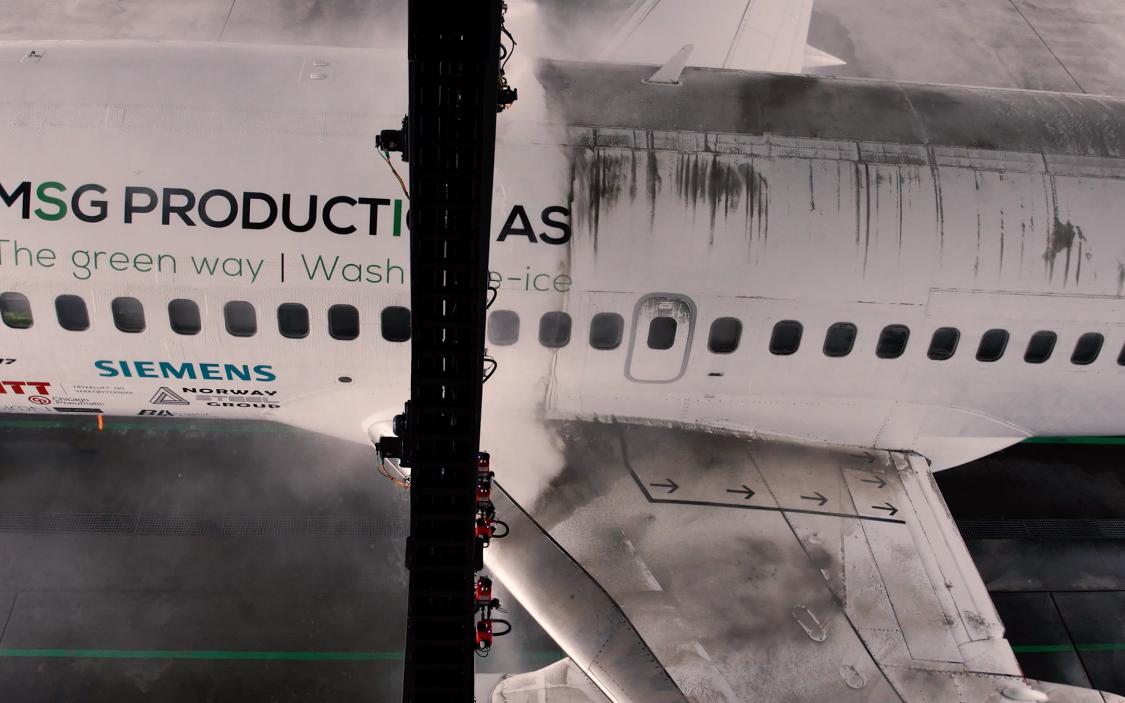 Hvordan vasker man egentlig et fly?