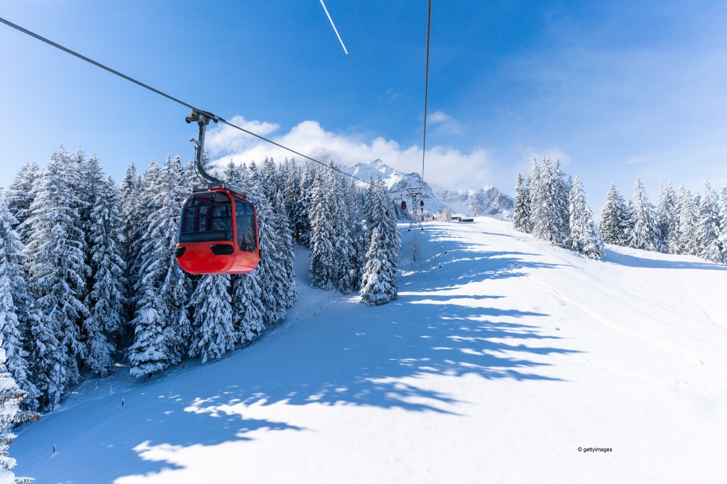 Innovative control system for ski lifts with operating and control solution from Siemens