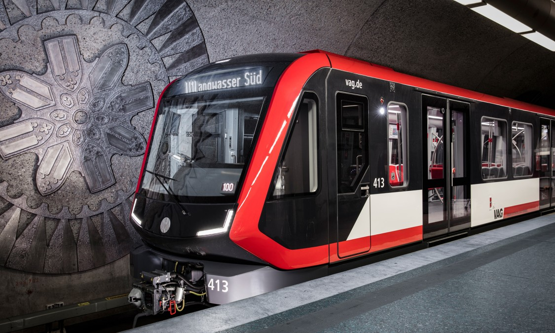 The vehicle design was developed in close collaboration with VAG and the design agency ergon3design. Wider doors with innovative light indicators and an unobstructed passageway throughout the train improve passenger flow.