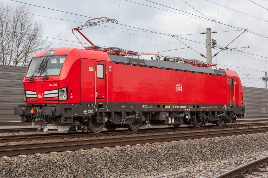 DB Cargo and Siemens Mobility sign framework agreement for 100 multisystem locomotives