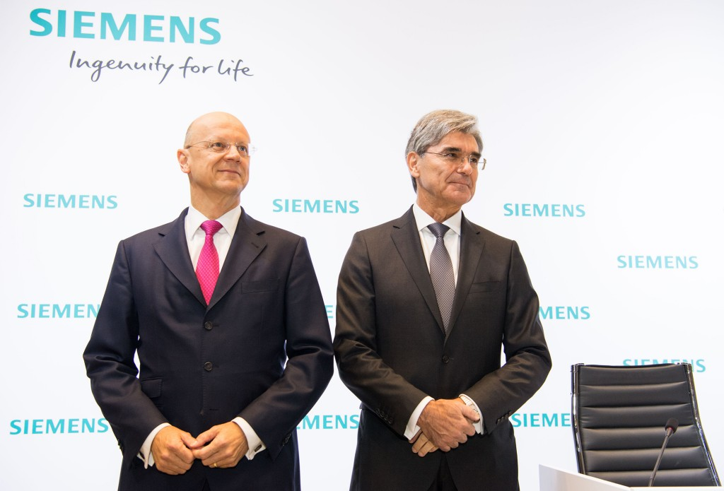 Annual Press Conference 2016 at the Siemens headquarters in Munich. From left to right: Ralf P. Thomas, Member of the Managing Board and Chief Financial Officer Siemens AG; Joe Kaeser, President and Chief Executive Officer Siemens AG.