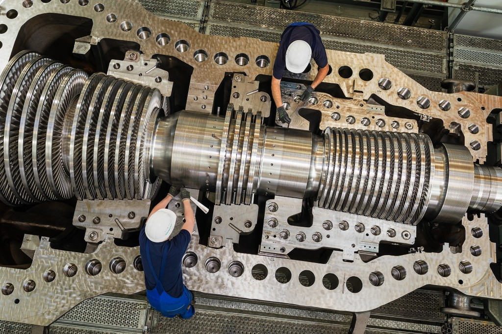 The picture shows an open SST-800 steam turbine at final assembly.