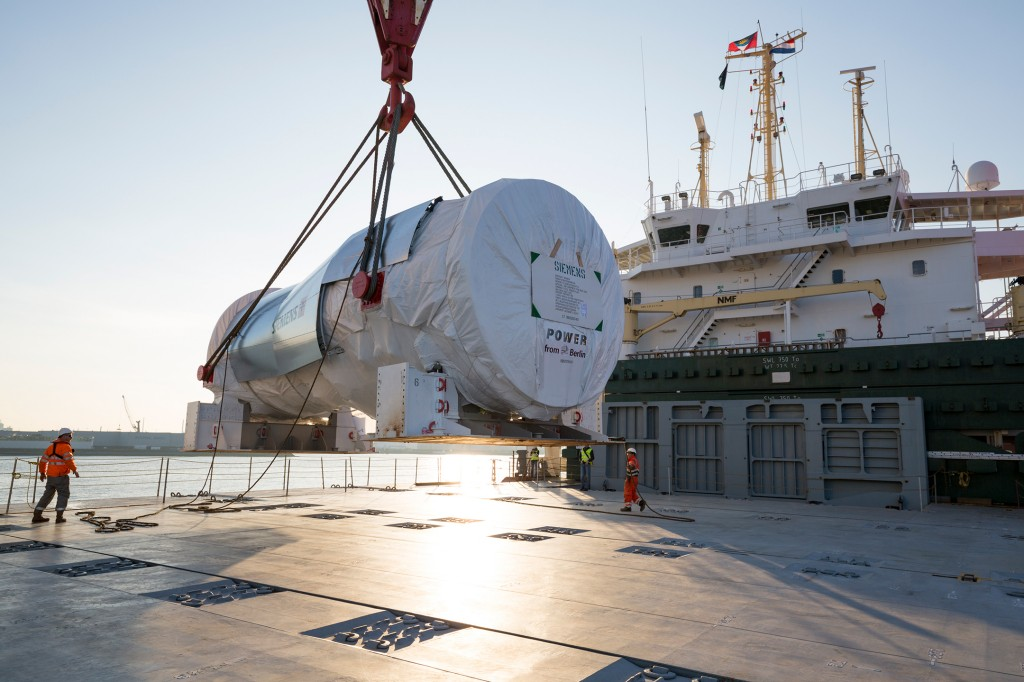 The first gas turbines start to Egypt