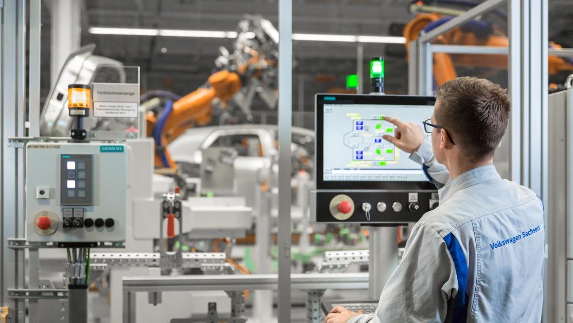 A Siemens támogatja a zwickaui VW gyárat az elektromos autók gyártásában