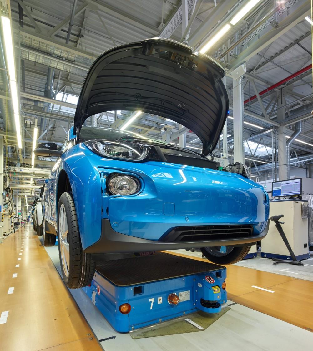 BMW Werk Leipzig als Beispiel für Fahrerlose Transportsysteme mit SIMATIC MICRO-DRIVE