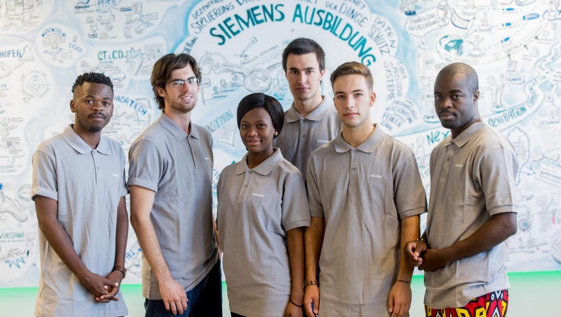 Gruppenbild diverser Teilnehmer des International Tech Apprenticeship@Siemens