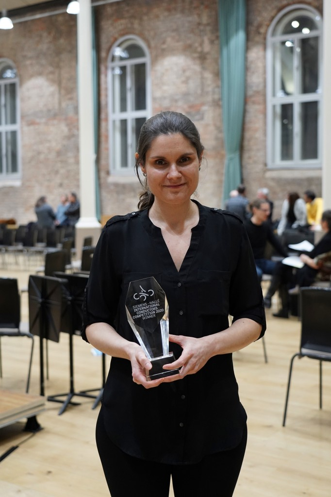 Delyana Lazarova wins the Siemens Hallé International Conductors Competition