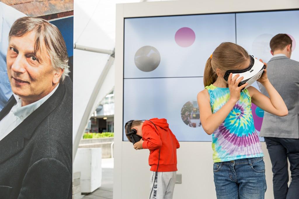 """Ausstellung """"Siemens-Stadt"""" beim Bundeswettbewerb """"Jugend forscht"""" in Erlangen"""