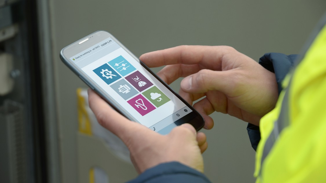 Handy mit Web Oberfläche des Smart Access Modules