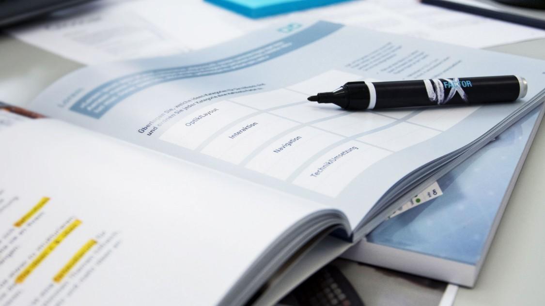 Learn HMI design: The HMI Design Workbook guides you step by step to the optimal HMI.