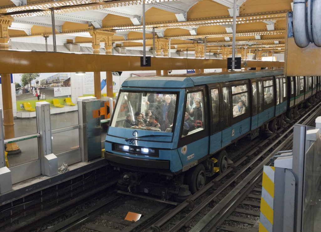 Siemens equips Paris with driverless metro system