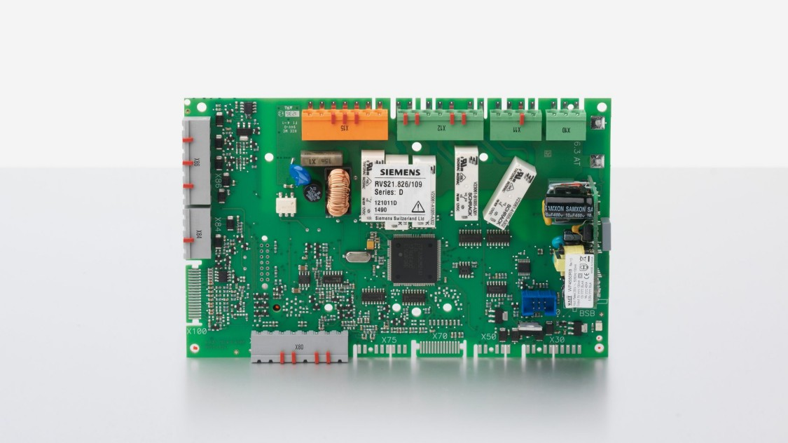 Heat pump controller as a cost-optimized PCB version with extensive application possibilities - from small autonomous plants to large cascaded hybrid heat pump systems with several consumer and distribution zones.