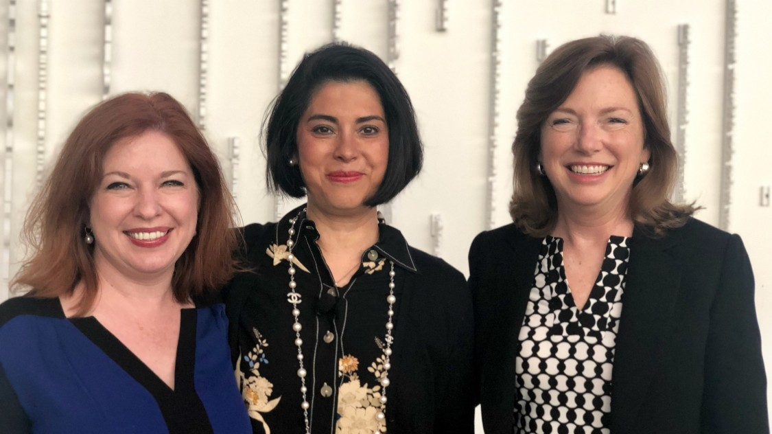 Siemens Chief Cybersecurity Officer Natalia Oropeza in Chicago (center, here with Siemens US CEO Barbara Humpton (right) and Joanna Burkey, Head of Siemens Global Cybersecurity Defense Services).