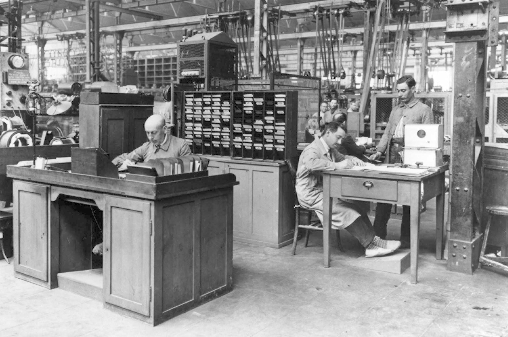 Organización ejemplar - la Fábrica de Cornellà, alrededor de 1920
