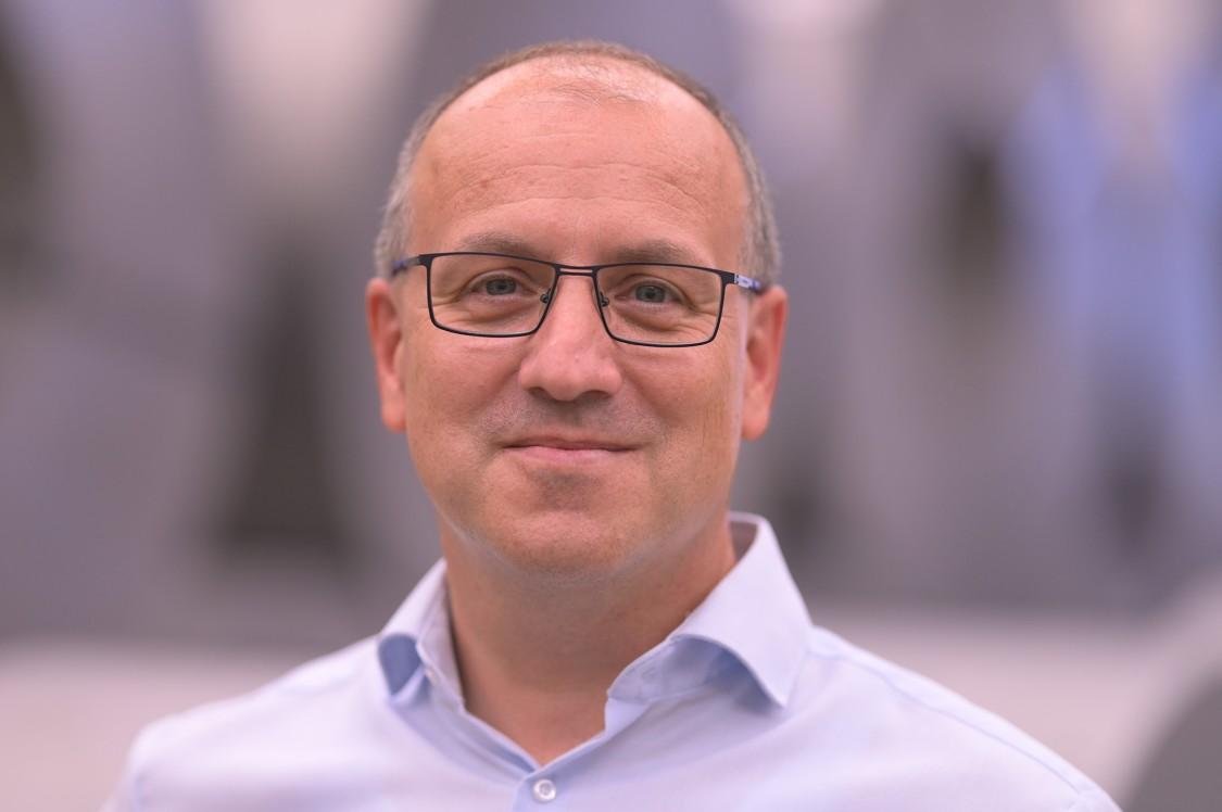 Portrait picture Tobias Grüner