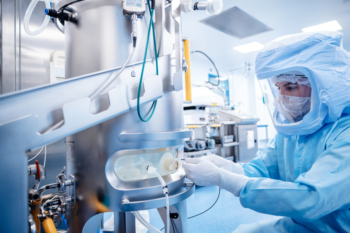 The BioNTech SE biotechnology company based in Mainz has converted an existing facility for the production of the Covid-19 vaccine in a record time with assistance from Siemens (Picture: © BioNTech SE 2020, all rights reserved).