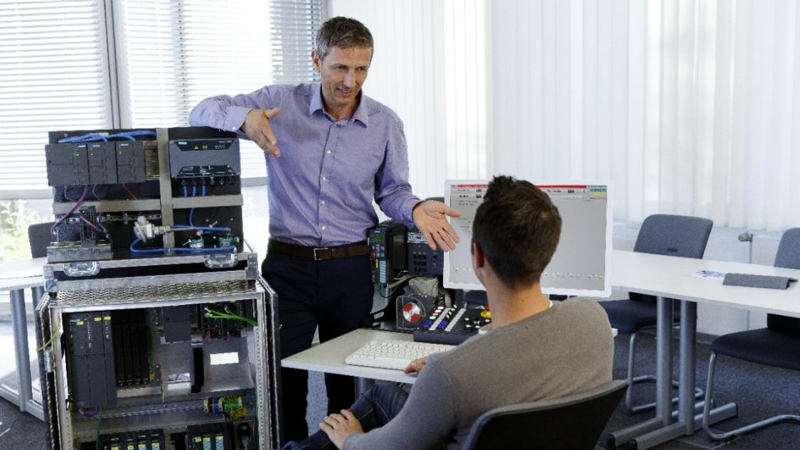 SITRAIN courses for the SIMATIC PCS 7 process control system