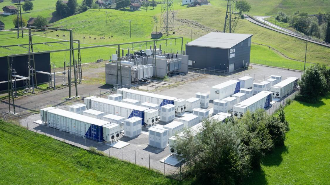 Suíça maior instalação de armazenamento de baterias até agora em Ingenbohl.