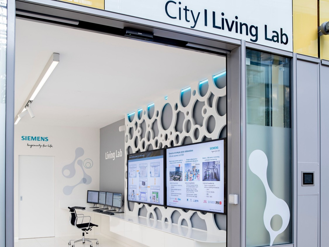At the LivingLab, individual bioprocesses are modeled, simulated, and optimized to suit specific customer needs.