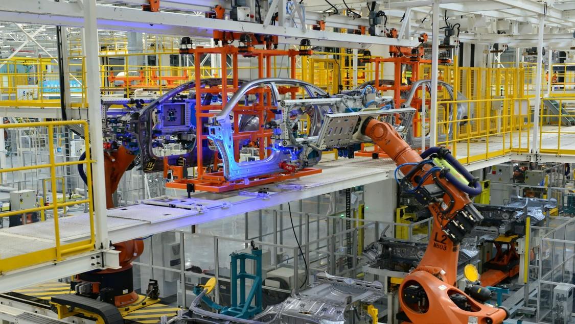 西门子人工智能+边缘计算,助力宜昌工厂在焊接质量方面精益求精。