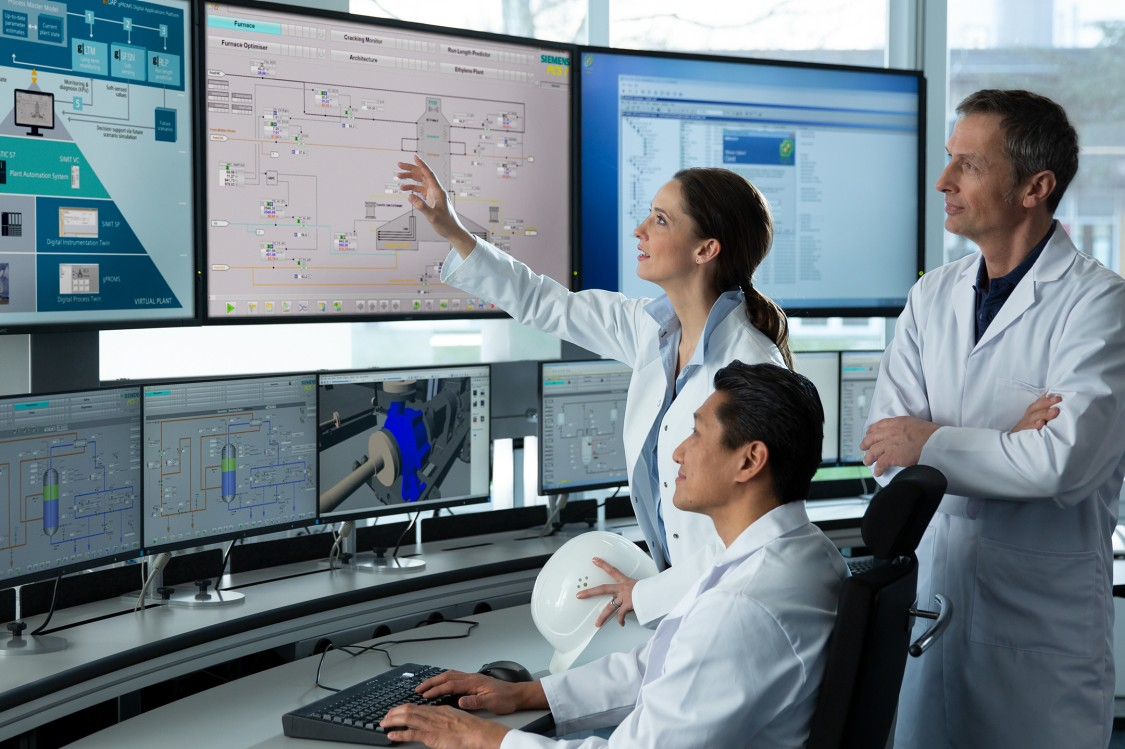 USA - Siemens SIMIT simulation software for virtual commissioning and operator training