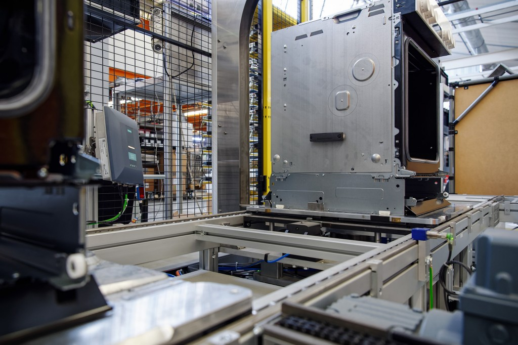 Hot data trail – Oven manufacturer relies on solutions from Siemens for trouble-free manufacturing