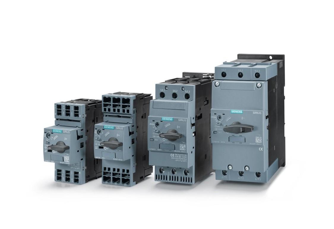 Vier Leistungsschalter SIRIUS 3RV2 der Größe nach aufgereiht