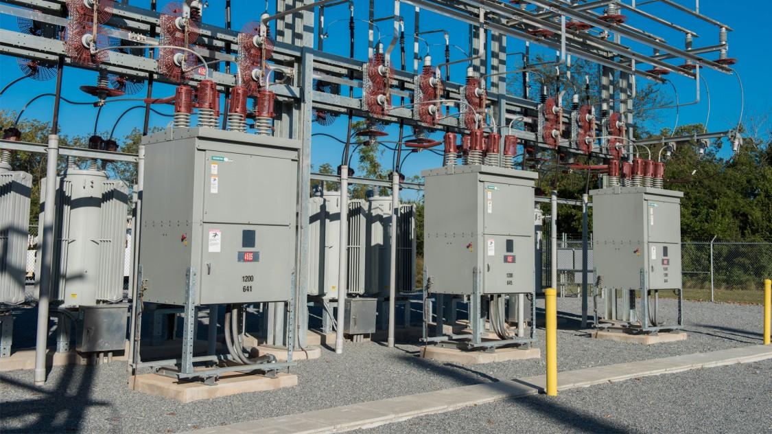 SDV7 non-arc-resistant distribution circuit breaker substation installation