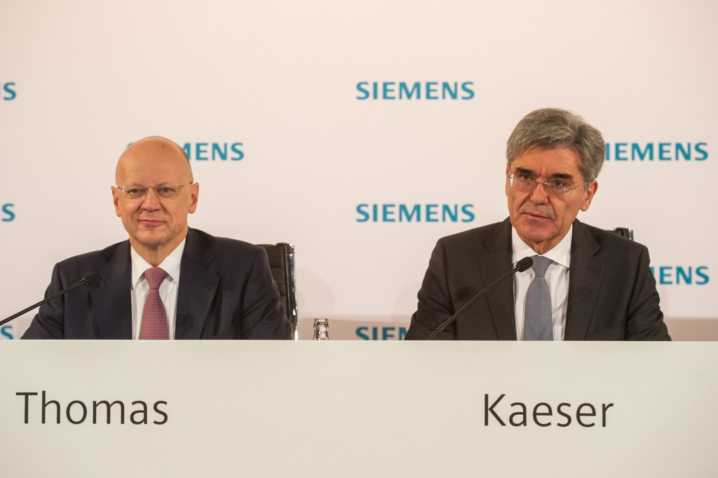 From left to right: Dr. Ralf P. Thomas, Member of the Managing Board and Head of Finance and Controlling und Joe Kaeser, President and Chief Executive Officer of Siemens AG