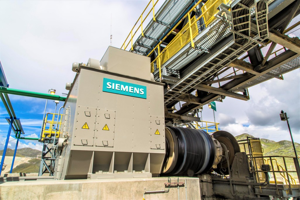 Siemens' gearless drive technology powers high-capacity overland conveyor in Quellaveco