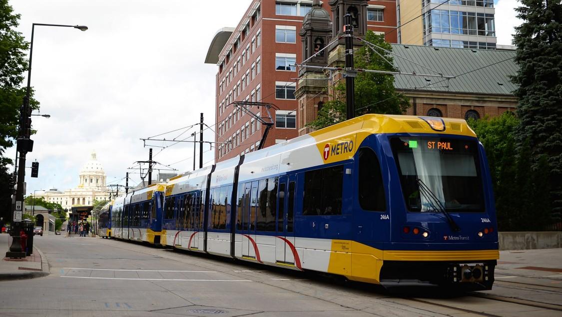 59 S70-Bahnen verbinden die Twin Cities