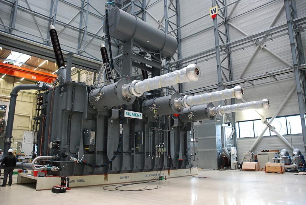 Siemens rüstet HGÜ zwischen England und Frankreich mit Transformatoren aus