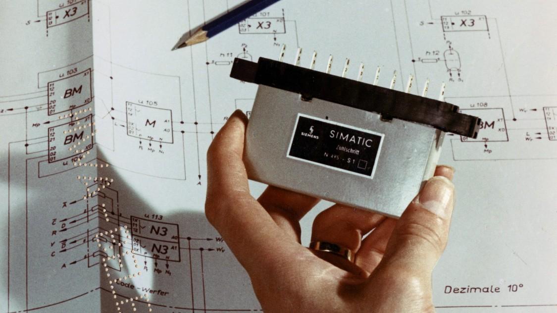 SIMATIC im Lauf der Geschichte. Vom Transistor zur digitalen Fabrik