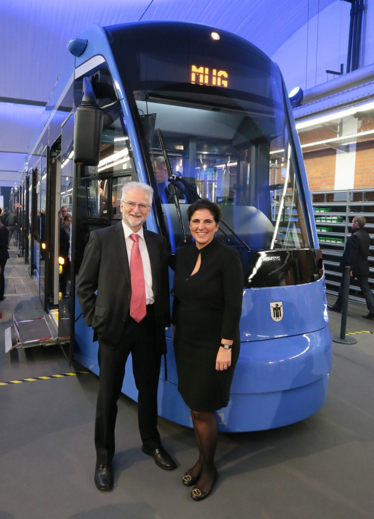 Munich and Siemens present the first Avenio tram