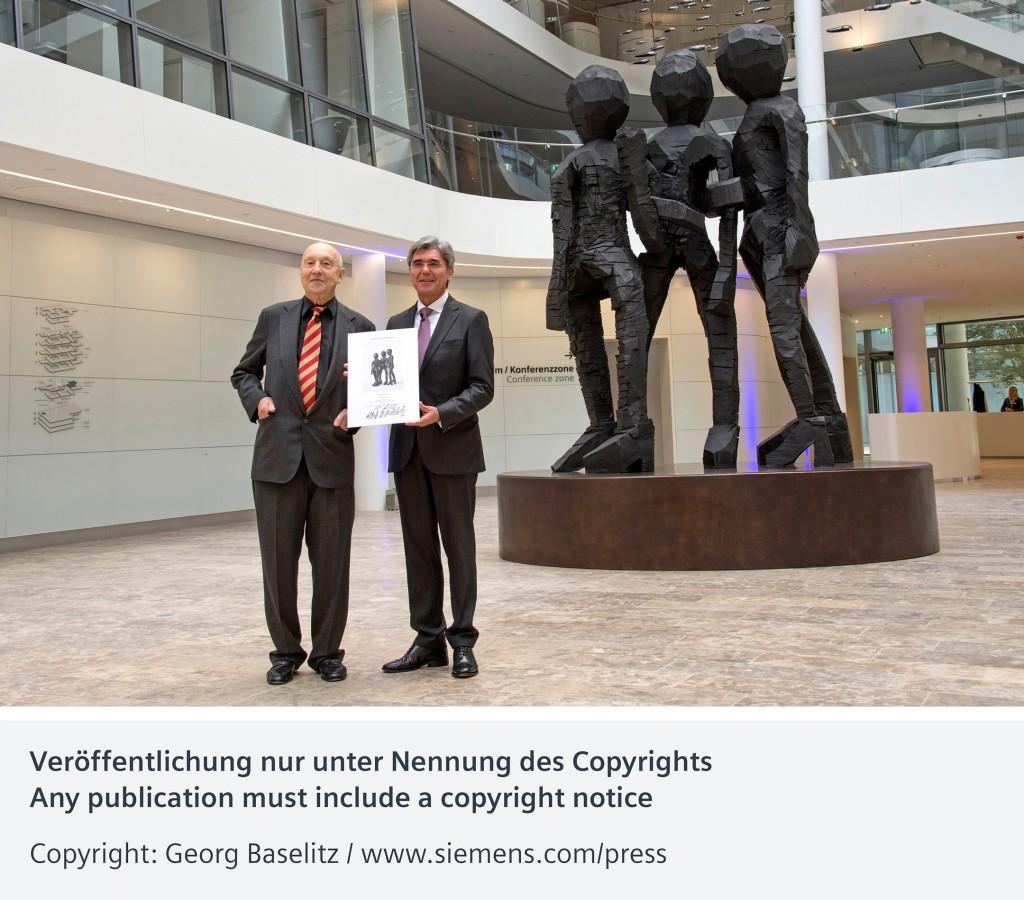 """Bronzeskulptur """"Schwesterngruppe"""" in der Siemens Konzernzentrale eingeweiht"""