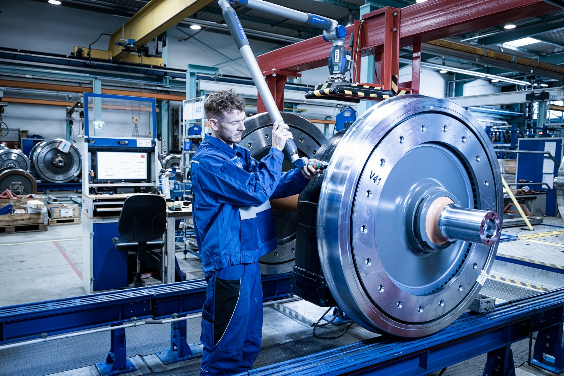 Locomotive wheelset in final assembly at the Competence Center for Bogies of Siemens Mobility Austria GmbH Graz
