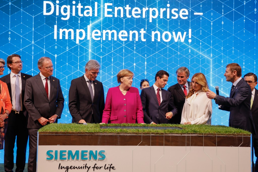 Hannover Messe 2018: German Chancellor Angela Merkel and Mexican President Enrique Pena Nieto visiting the Siemens booth
