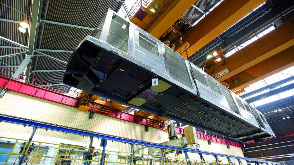 Key Visual Industry cranes Drive-Based Sway Control