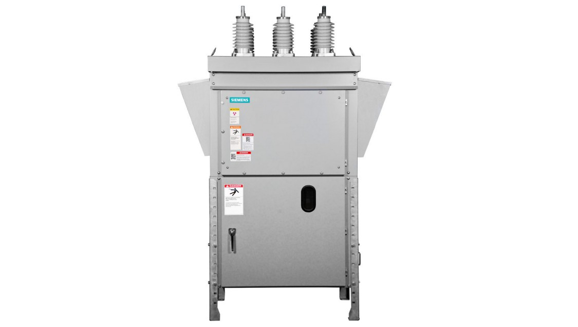 Arc-resistant tested circuit breakers