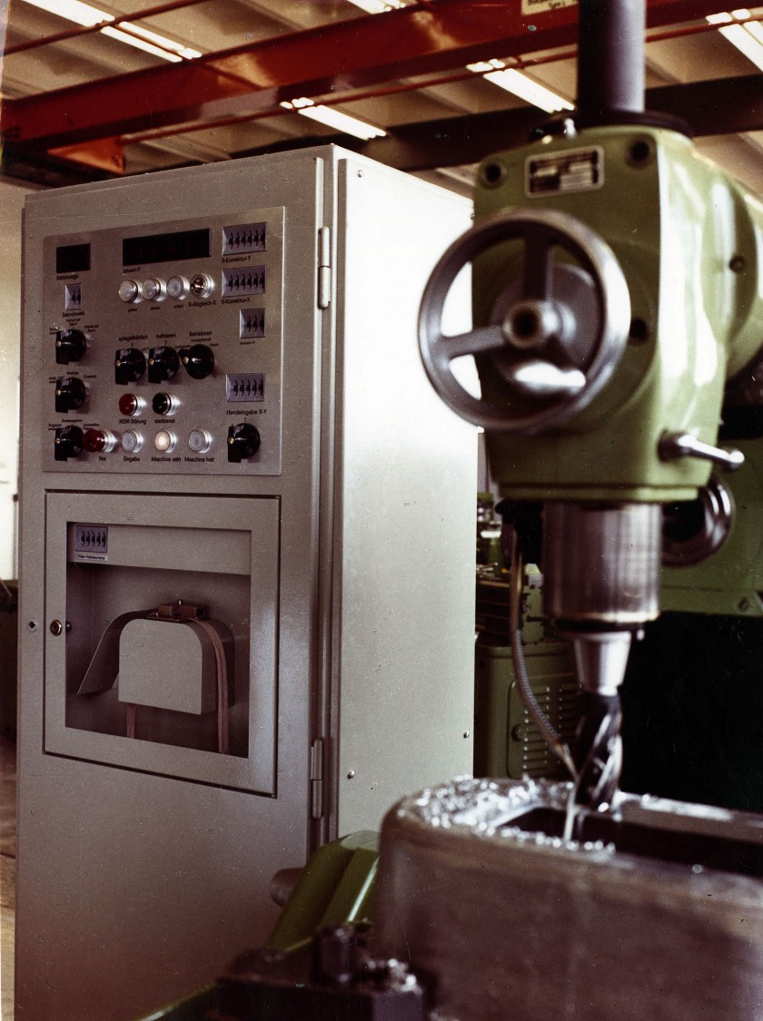 NC-controlled milling machine, 1964