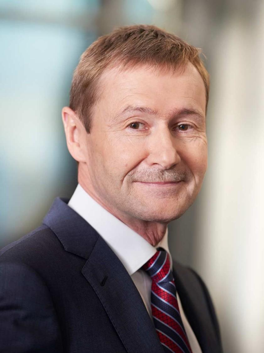 Klaus Helmrich, Vorstandsmitglied der Siemens AG