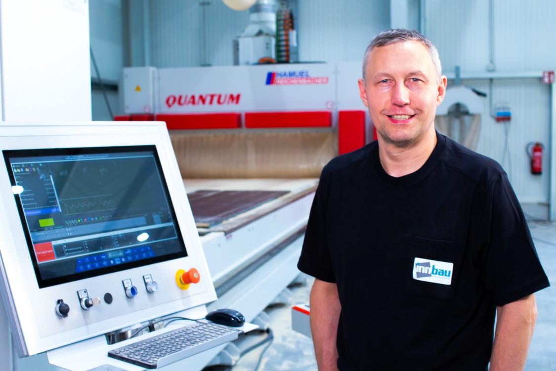 Georg Wimmer, Maschinenführer bei innbau-beton GmbH und Co. KG