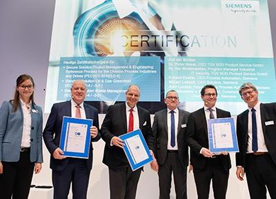 SIMATIC PCS 7 primer producto con la certificación de seguridad IEC 62443