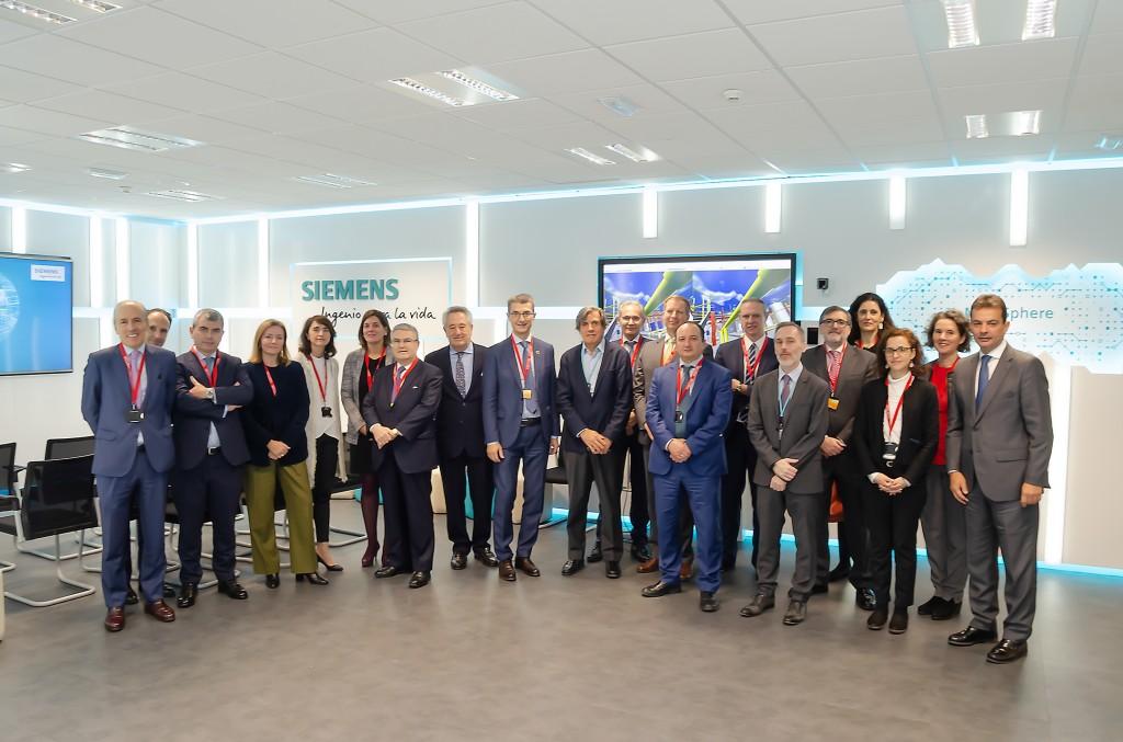 Siemens muestra a los socios de Feique la digitalización aplicada al sector químico