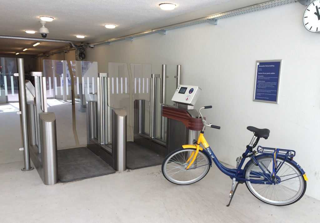 Self-Service-Parkloesung fuer Fahrraeder in den Niederlanden