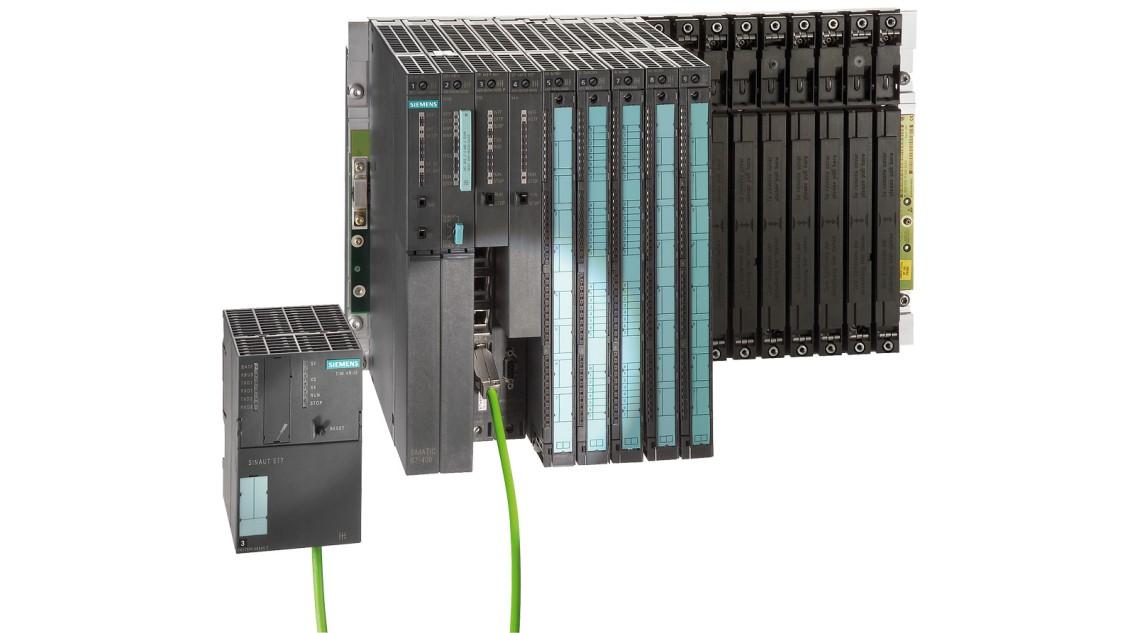 Bild einer RTU mit SIMATIC S7-400 und Telecontrol Interface Modul TIM 4R-IE DNP3